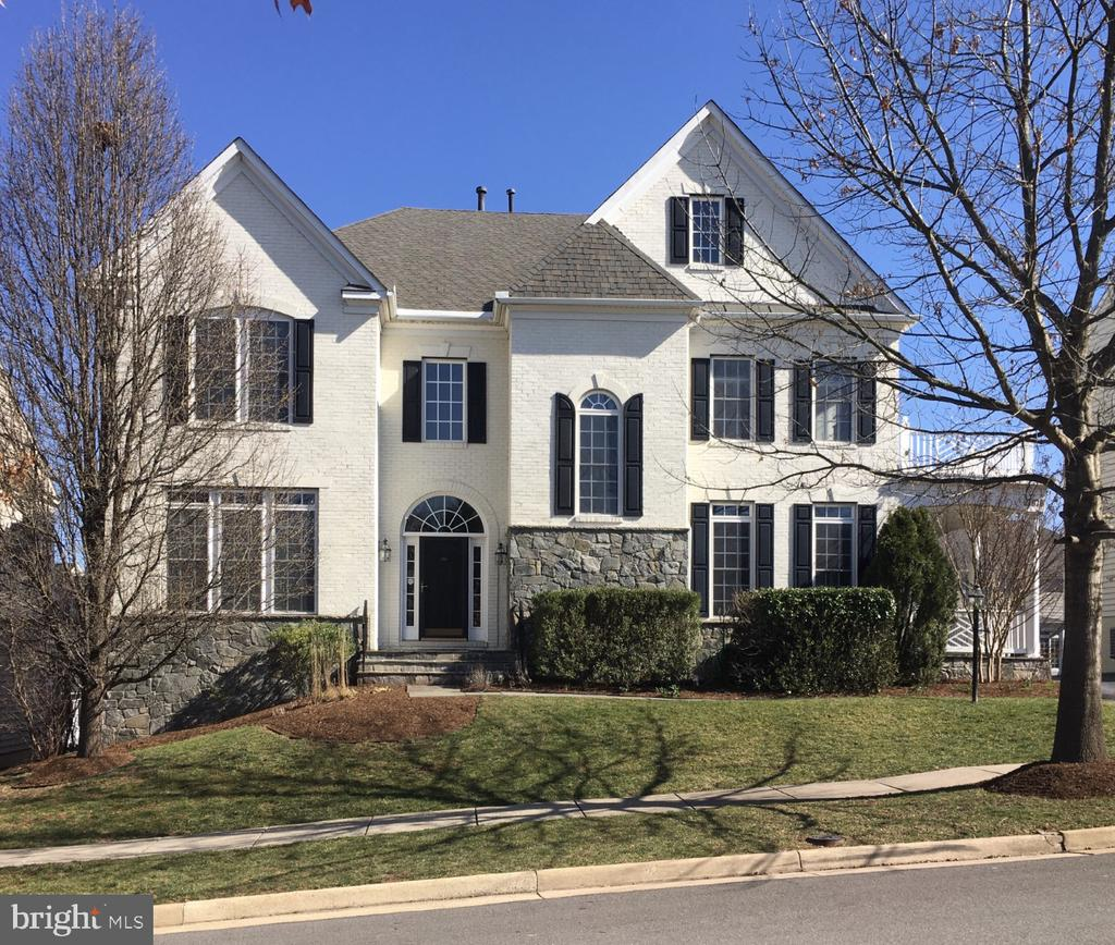 French Country home in the Highlands in Lansdowne. - 19070 COTON FARM CT, LEESBURG