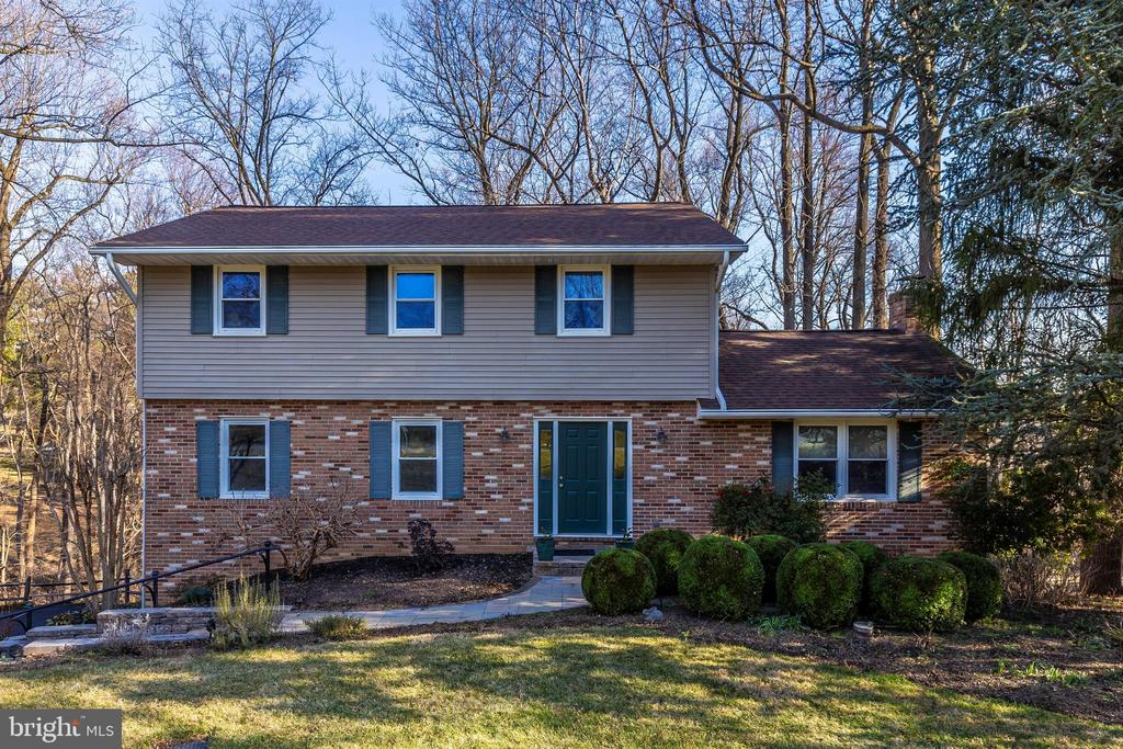 Welcome home! - 5800 MEADOW DR, FREDERICK