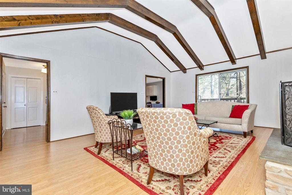 Beautiful beamed ceilings - 5800 MEADOW DR, FREDERICK