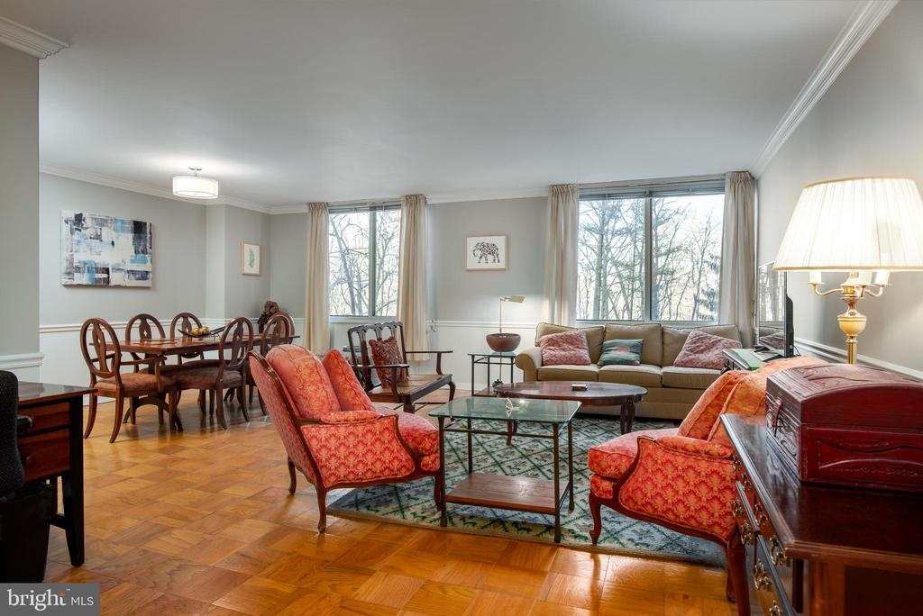 Westerly exposure with tree top views - 3001 VEAZEY TER NW #204, WASHINGTON