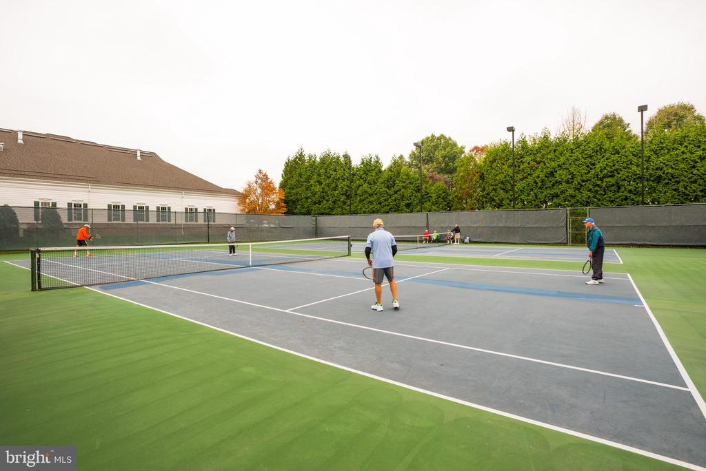 One of 3 lighted Tennis courts - 13533 RYTON RIDGE LN, GAINESVILLE