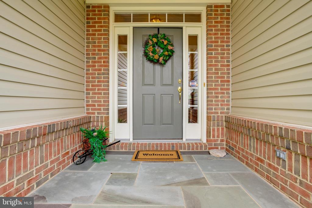Welcome! Beautiful front entry! - 13533 RYTON RIDGE LN, GAINESVILLE
