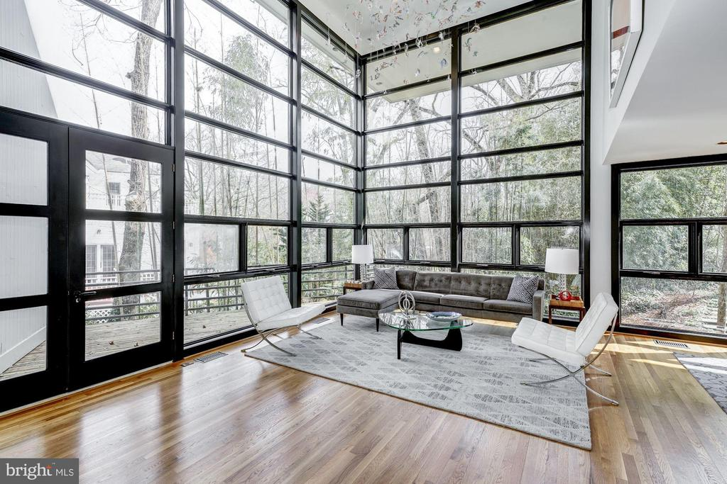 Floor to Ceiling Windows - 4708 DORSET AVE, CHEVY CHASE