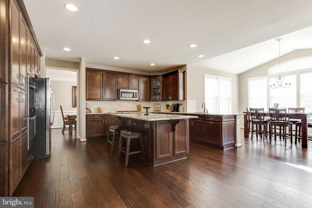 Kitchen & Breakfast Room - 18751 PIER TRAIL DR, TRIANGLE