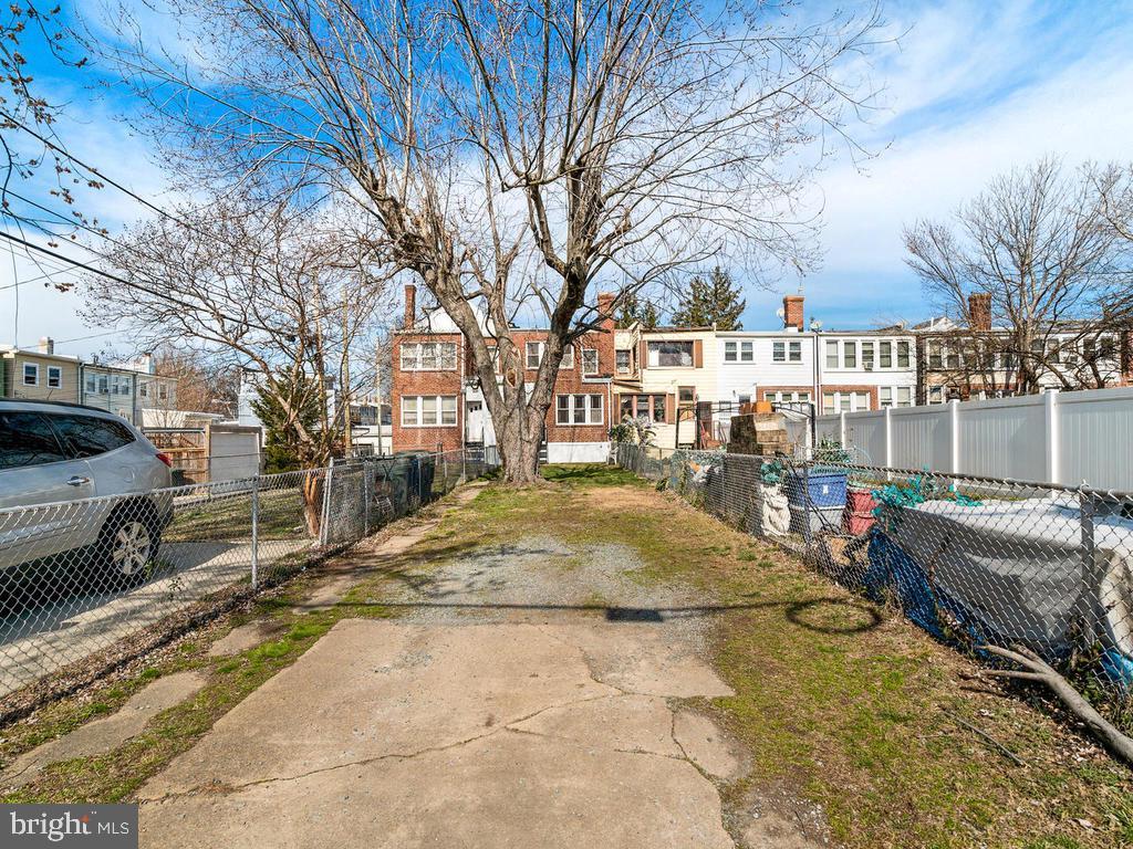 Tons of off street parking - 438 INGRAHAM ST NW, WASHINGTON