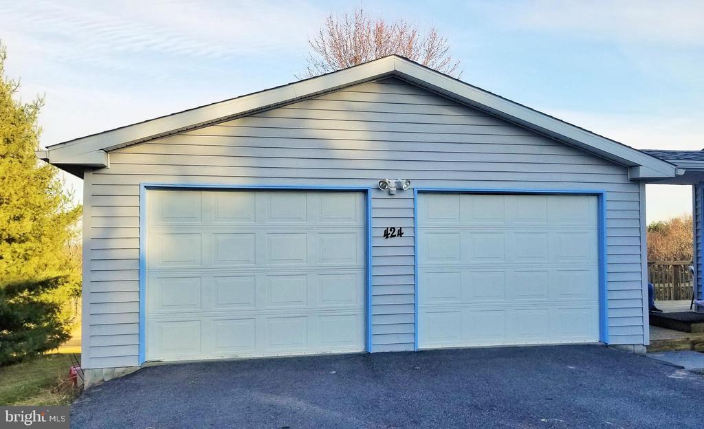 Detached 2 Car Garage - 424 PEMBROKE WAY, CHARLES TOWN