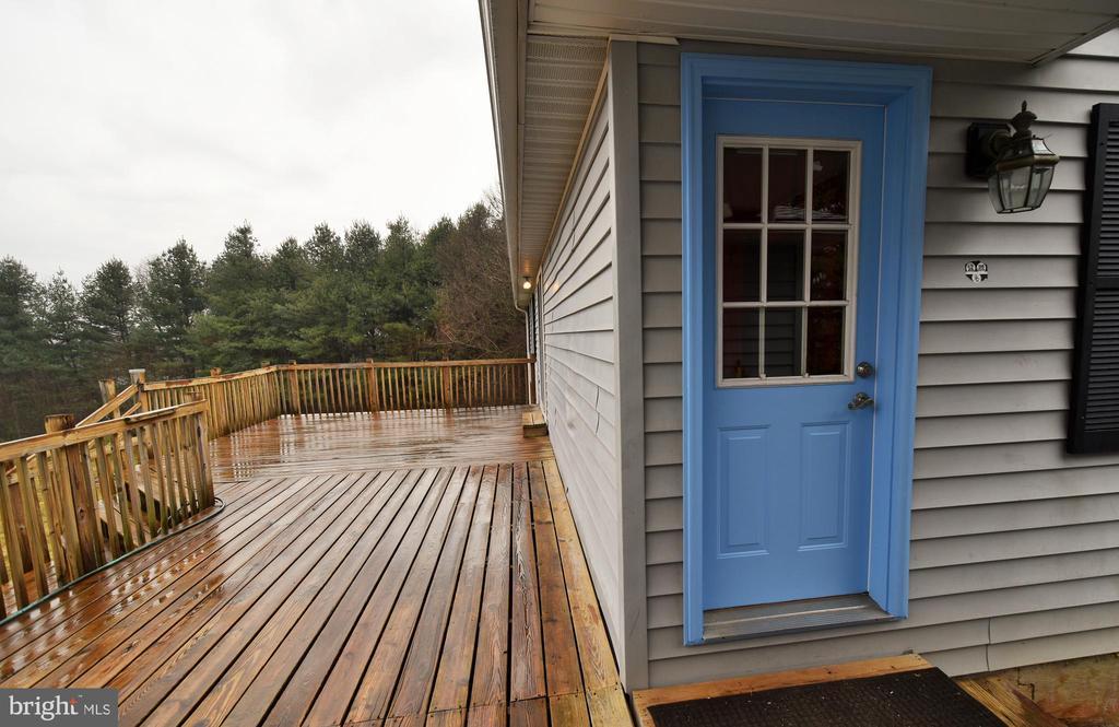 Mud Room Door and Deck - 424 PEMBROKE WAY, CHARLES TOWN