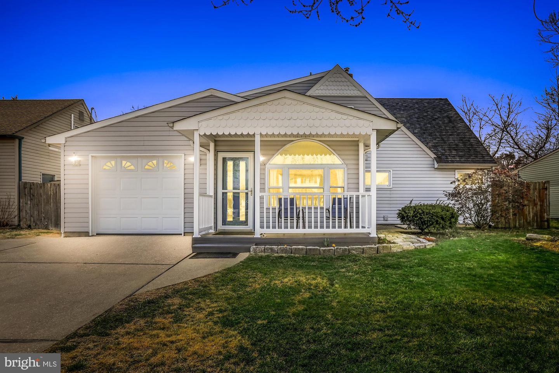 Single Family Homes για την Πώληση στο 35 NARCISSUS Lane Levittown, Πενσιλβανια 19054 Ηνωμένες Πολιτείες