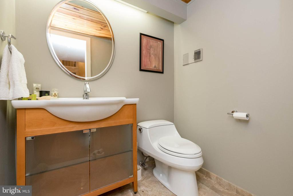 Power Room off entry. - 2901 BOSTON ST #214, BALTIMORE