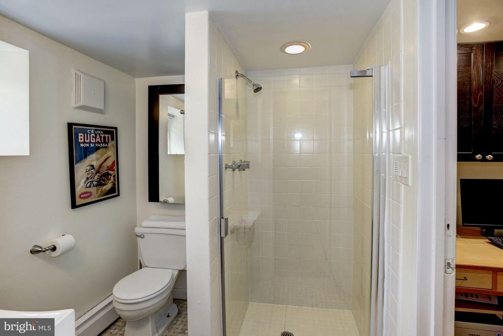 Lower Level Full Bathroom - 1690 32ND ST NW, WASHINGTON