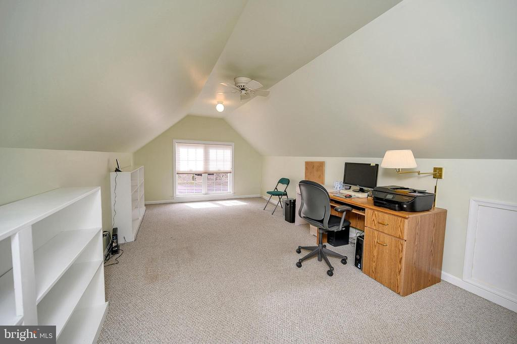 Bonus Room  could be Office or Playroom - 509 MT PLEASANT DR, LOCUST GROVE