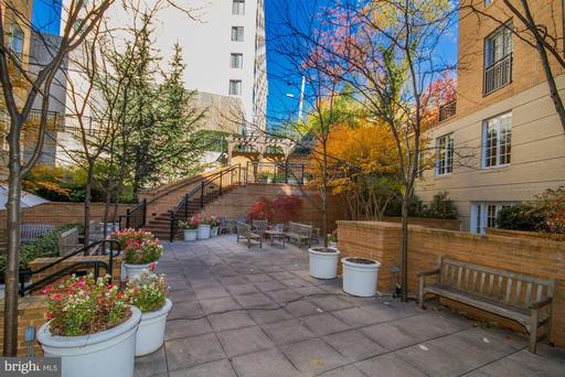 2501 WISCONSIN AVE NW #104