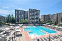 Outdoor pool - 3001 VEAZEY TER NW #204, WASHINGTON