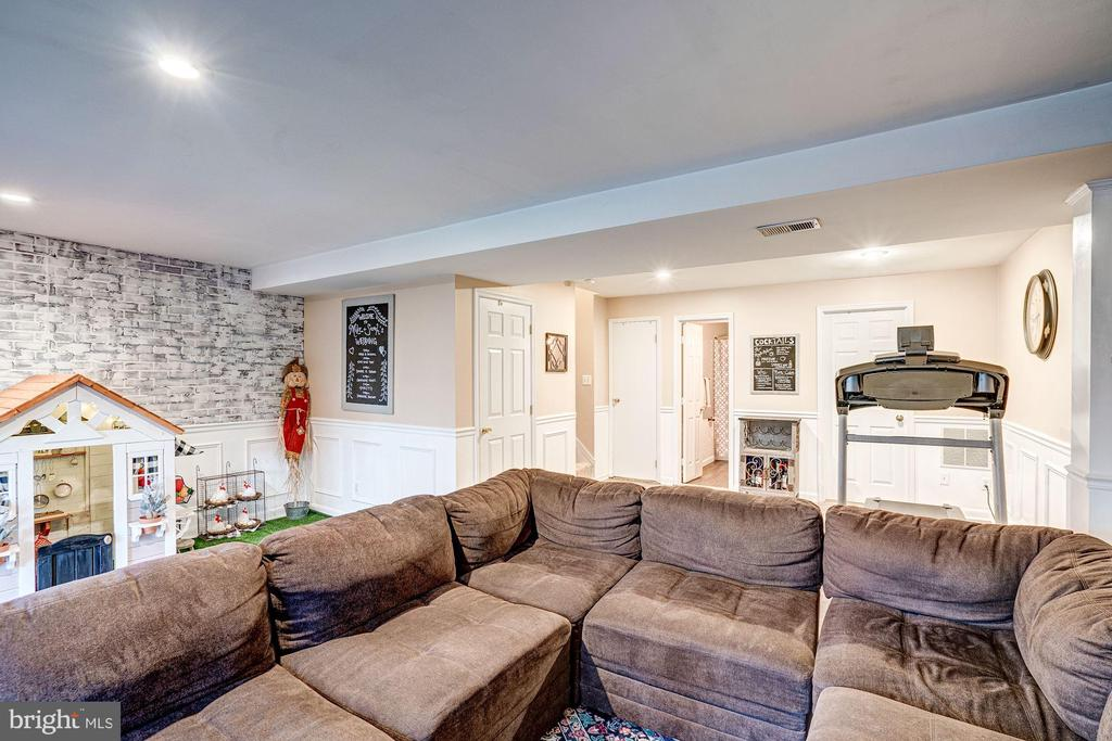 Family Room - Spacious, Light, & Bright! - 1614 OAK SPRING WAY, RESTON