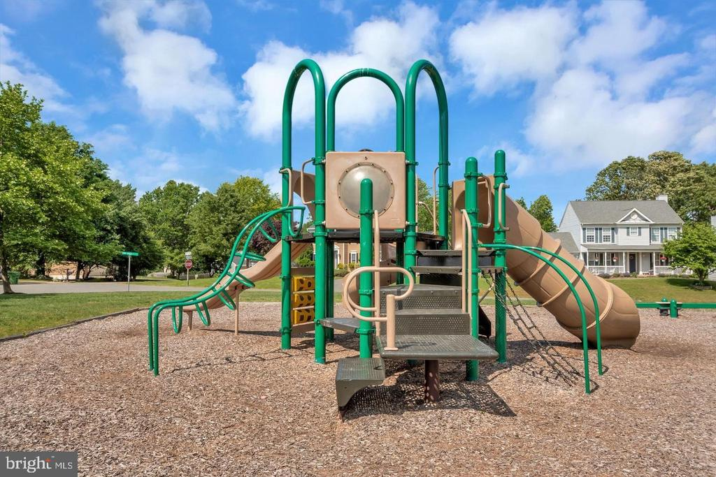 Playground - 304 SEDGWICK CT, STAFFORD
