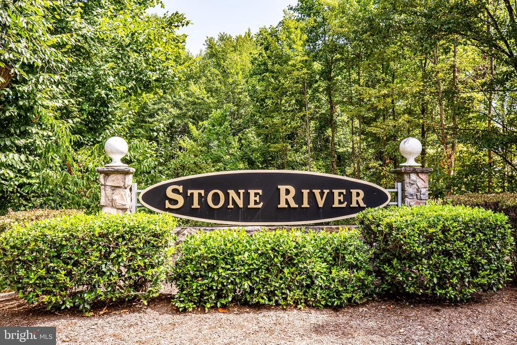 Amenity  filled Stone River - 304 SEDGWICK CT, STAFFORD