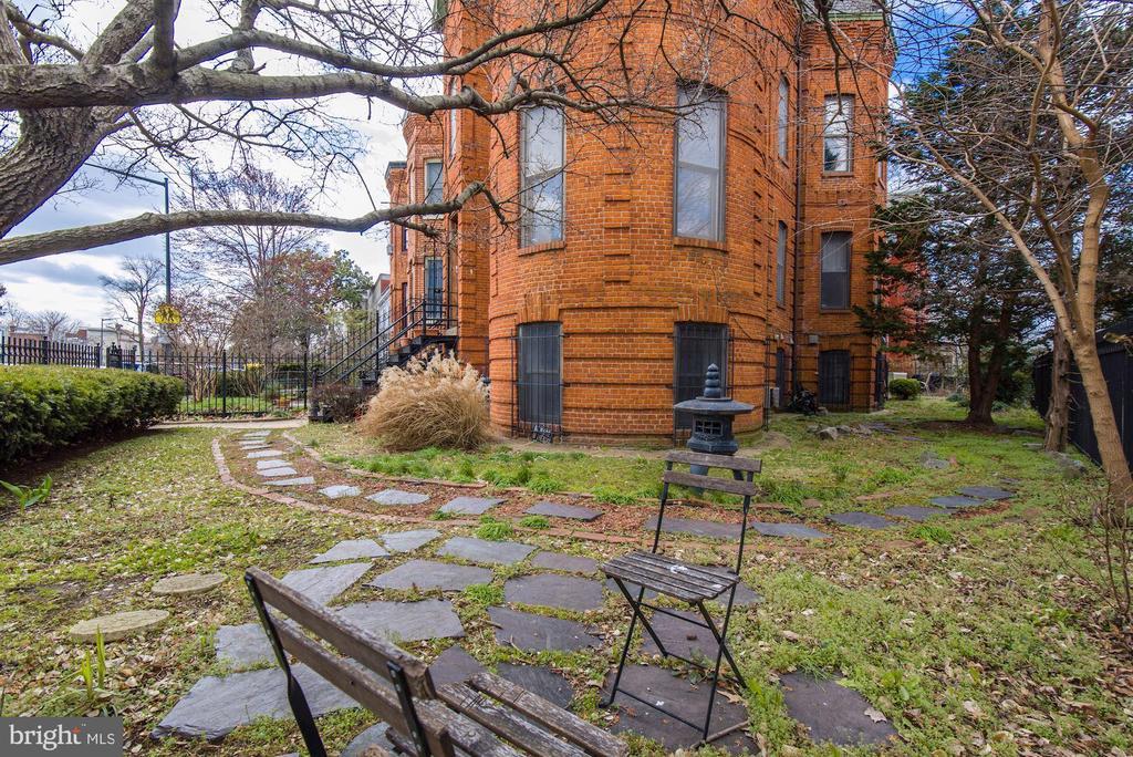 - 1842 VERMONT AVE NW, WASHINGTON