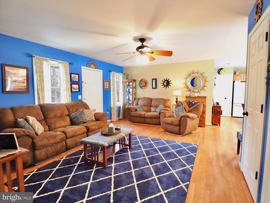 Living Room - 70 DENT RD, STAFFORD