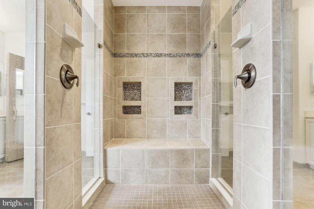 Master Bath Walk In Spa Shower - 11022 BLEVINS DR, CLARKSVILLE