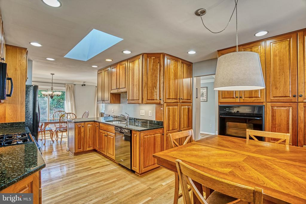 Kitchen and Breakfast Area - 6000 RIVANNA DR, SPRINGFIELD