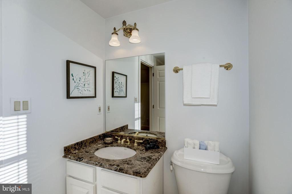 granite vanity top and large shower in 4th bath - 3818 N RANDOLPH CT, ARLINGTON