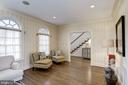 good flow from living to foyer and dining room - 3818 N RANDOLPH CT, ARLINGTON