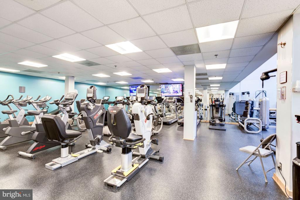 Exercise room - 5600 WISCONSIN AVE #902, CHEVY CHASE