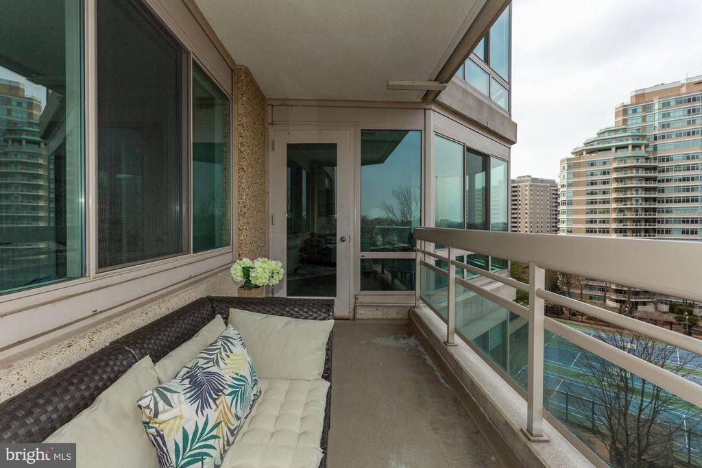 Balcony - 5600 WISCONSIN AVE #902, CHEVY CHASE