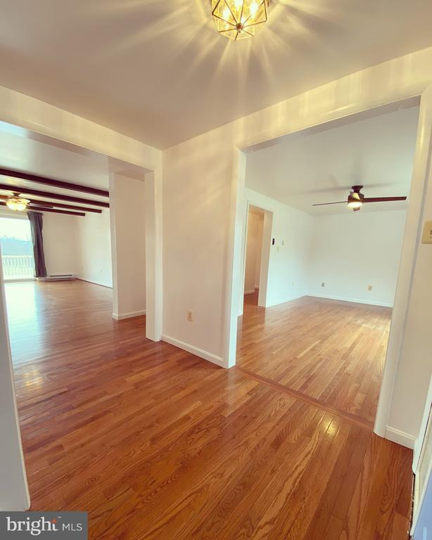 Foyer Area Looking into Living & Family Rooms - 424 PEMBROKE WAY, CHARLES TOWN