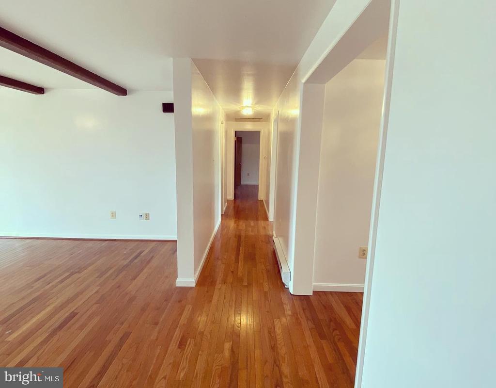 Hallway to Master Bedroom - 424 PEMBROKE WAY, CHARLES TOWN