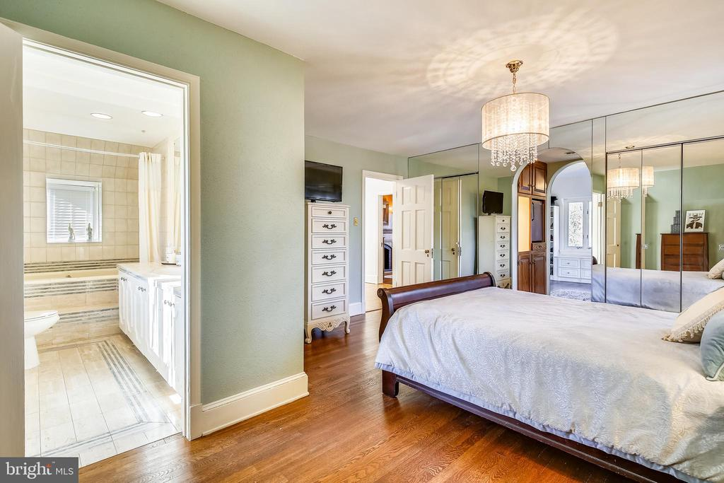 Master bedroom with dual closets - 2607 31ST ST NW, WASHINGTON