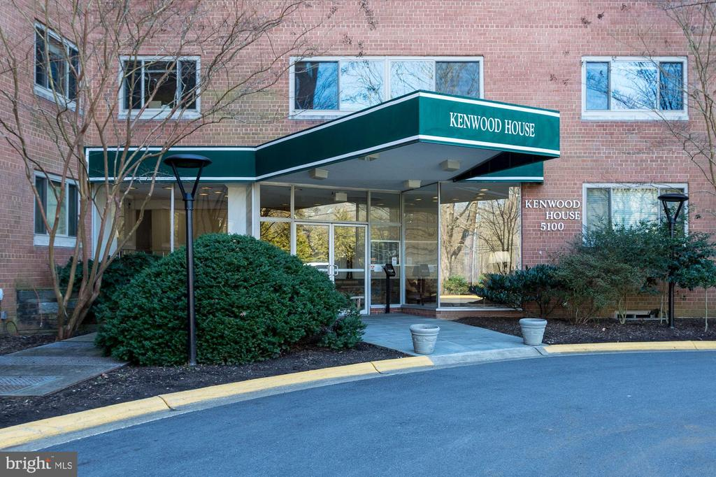 Be next to the Crescent Trail and Kenwood/Somerset - 5100 DORSET AVE #505, CHEVY CHASE