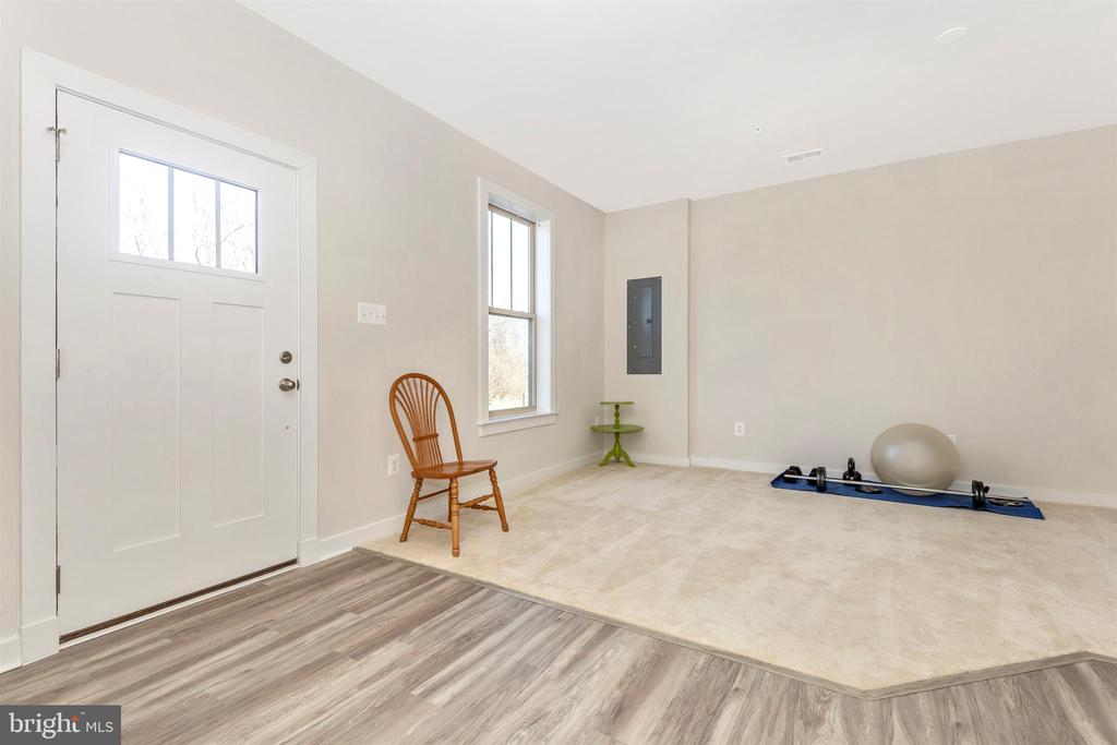 Main Level-Entryway/Family Room - 823 BADGER AVE, FREDERICK