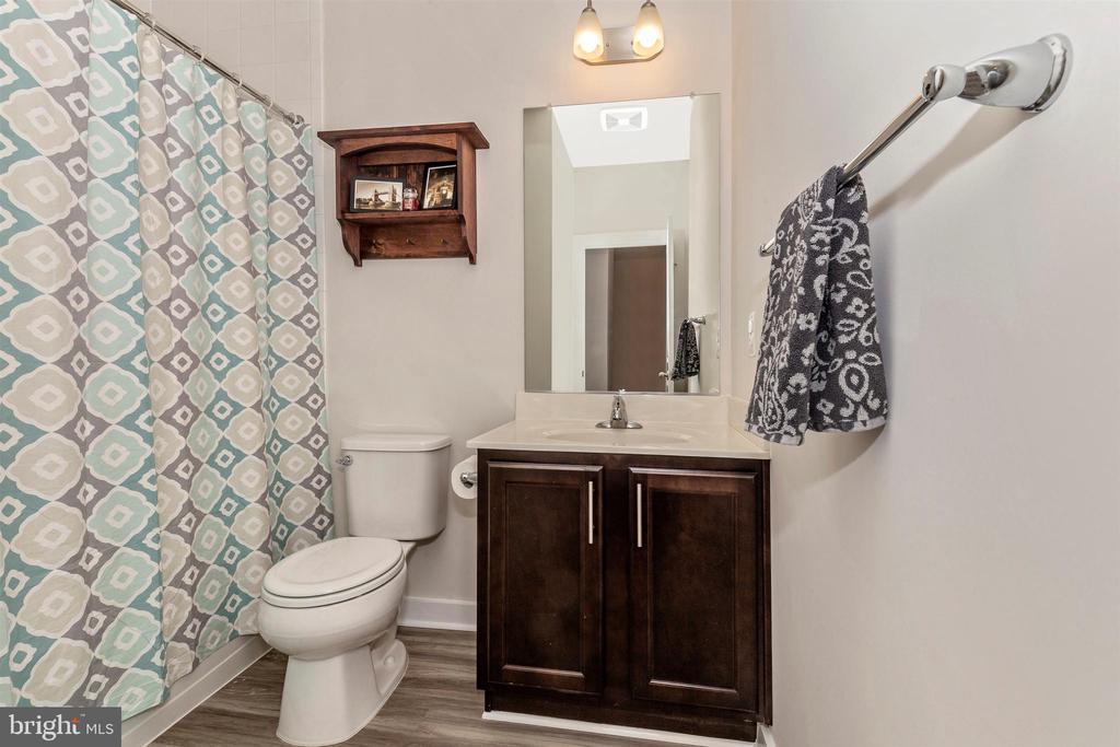 Upper Level 2-Hall Full Bathroom - 823 BADGER AVE, FREDERICK