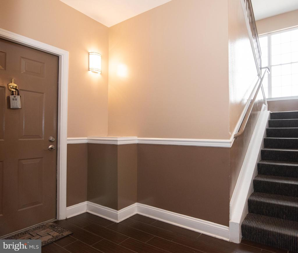 Entryway for unit - 18310 FEATHERTREE WAY #102-288, GAITHERSBURG