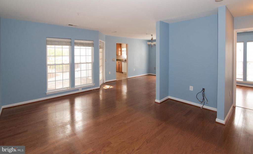 Interior - open floorplan - 18310 FEATHERTREE WAY #102-288, GAITHERSBURG