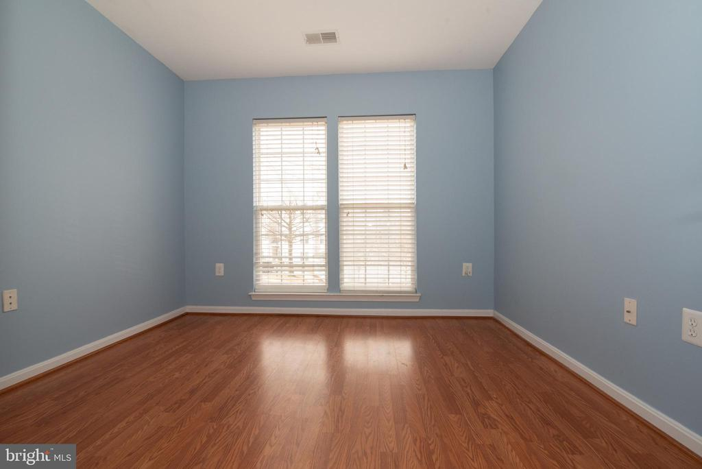 Bedroom 3 - 18310 FEATHERTREE WAY #102-288, GAITHERSBURG