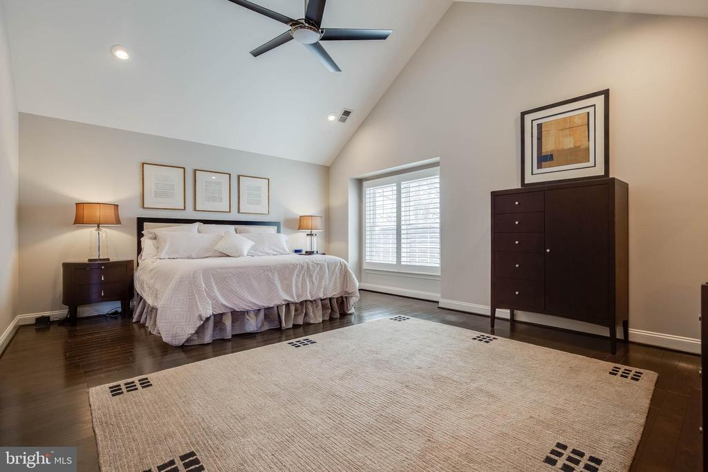 Master bedroom - 20076 INVERNESS SQ, ASHBURN