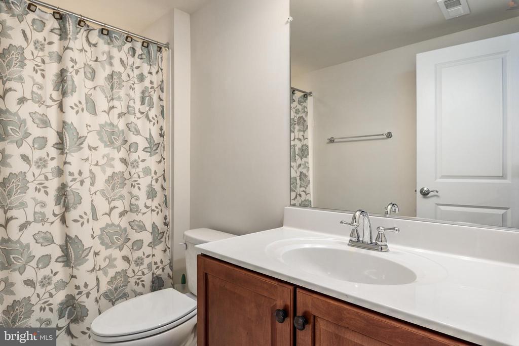 Bathroom - 44267 MIMOSA GROVE SQ, LEESBURG