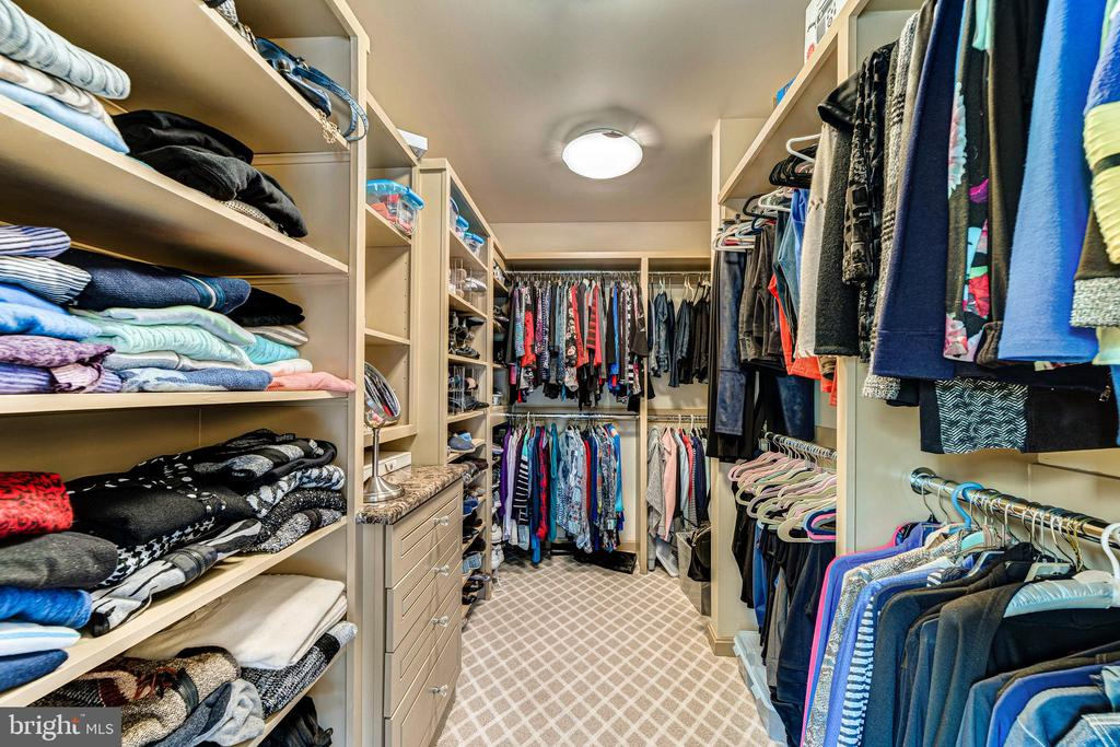 Two MBR closets - 7804 WINDY POINT CT, SPRINGFIELD
