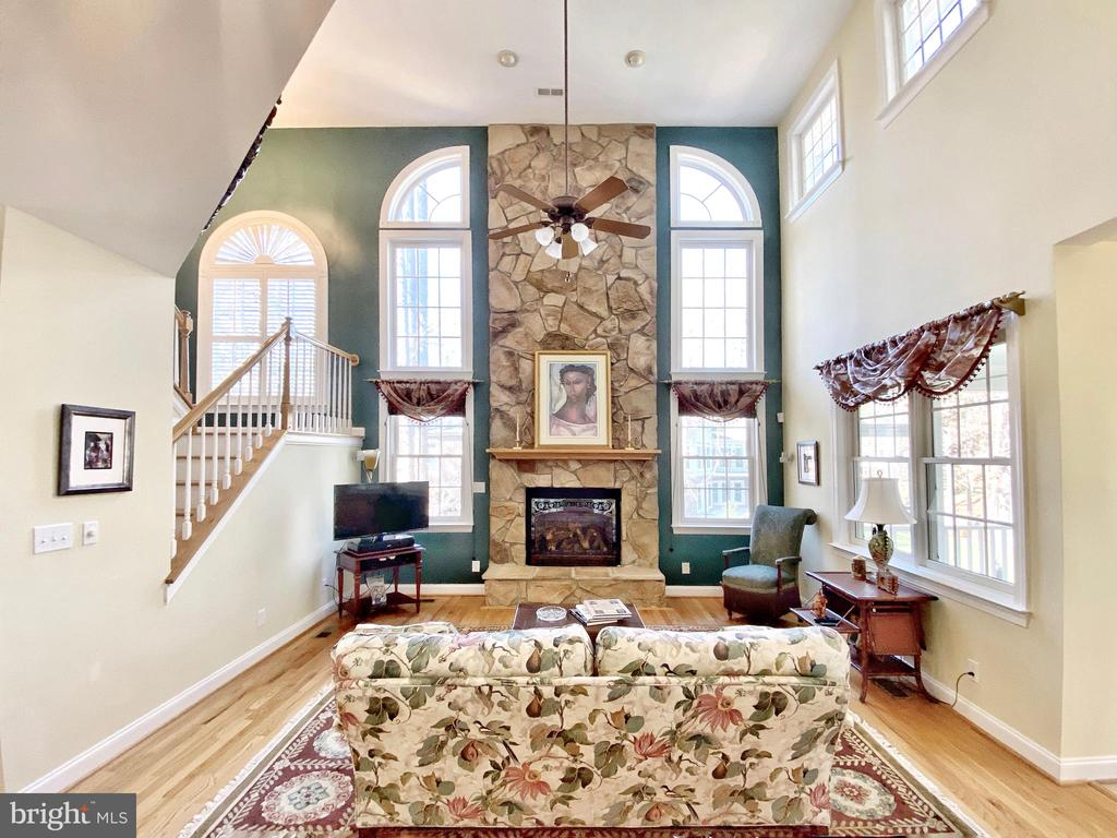 Two story Family Rm with Stone Fireplace - 11519 GENERAL WADSWORTH DR, SPOTSYLVANIA