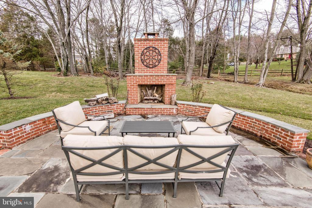 Patio with Outdoor Fireplace - 1125 CLINCH RD, HERNDON
