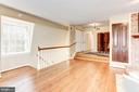 The second floor in-law suite w/gas fireplace. - 11726 WINTERWAY LN, FAIRFAX STATION