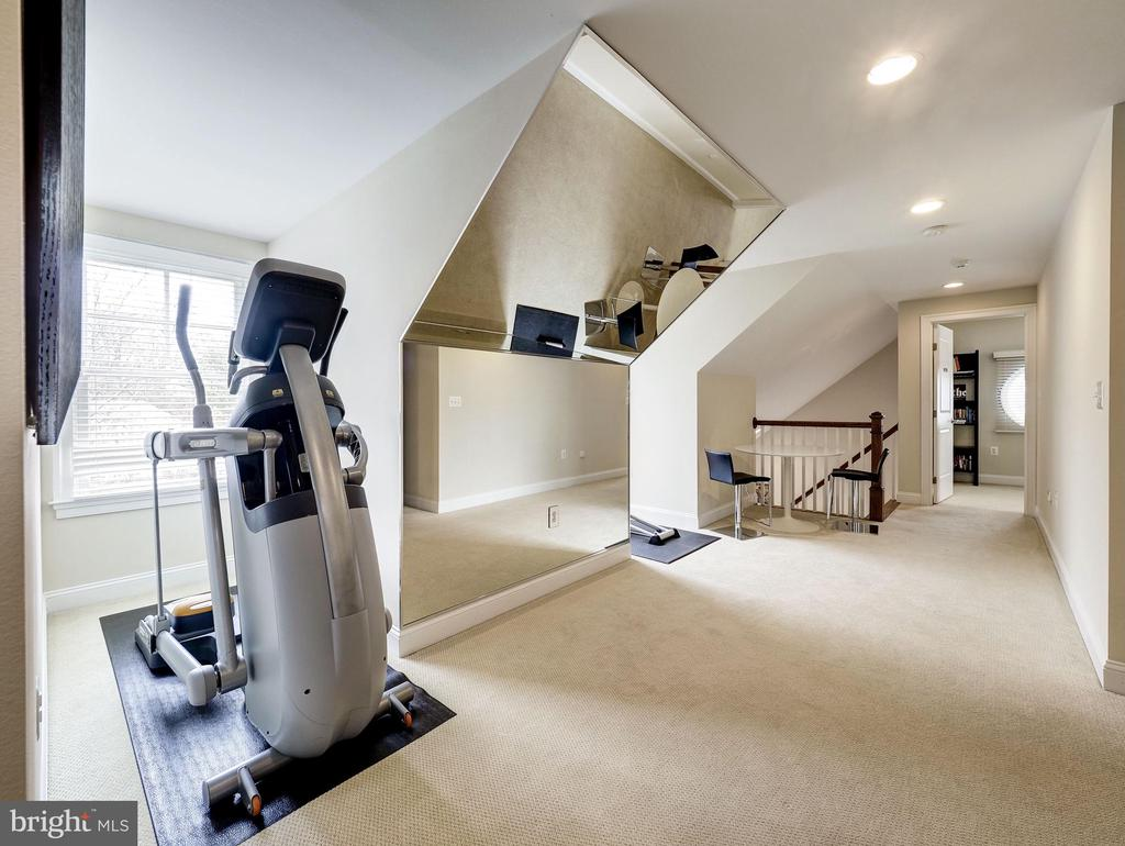Top Level Exercise Room - 7612 EXETER RD, BETHESDA