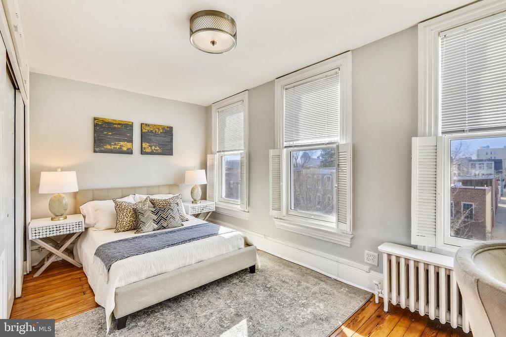 Third floor bedroom - 318 CONSTITUTION AVE NE, WASHINGTON