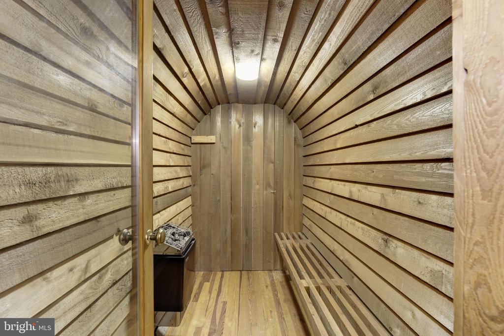 Sauna - 9125 FERNWOOD RD, BETHESDA