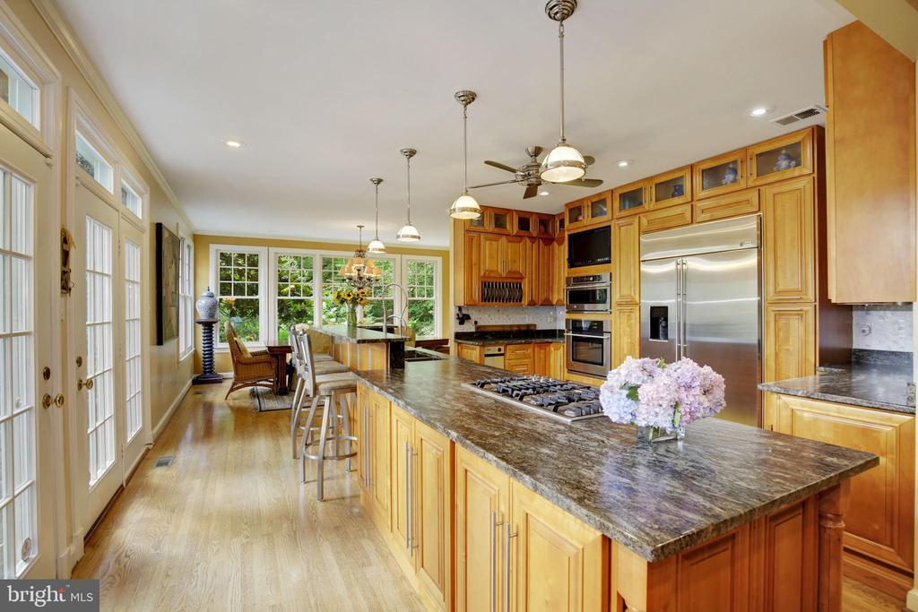 Kitchen - 9125 FERNWOOD RD, BETHESDA