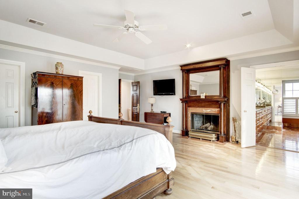 Master Bedroom - 9125 FERNWOOD RD, BETHESDA