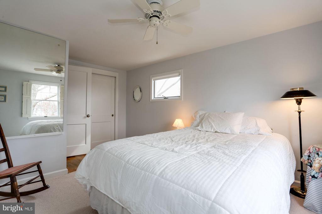 Second Bedroom on Upper Level - 2625 N QUANTICO ST, ARLINGTON