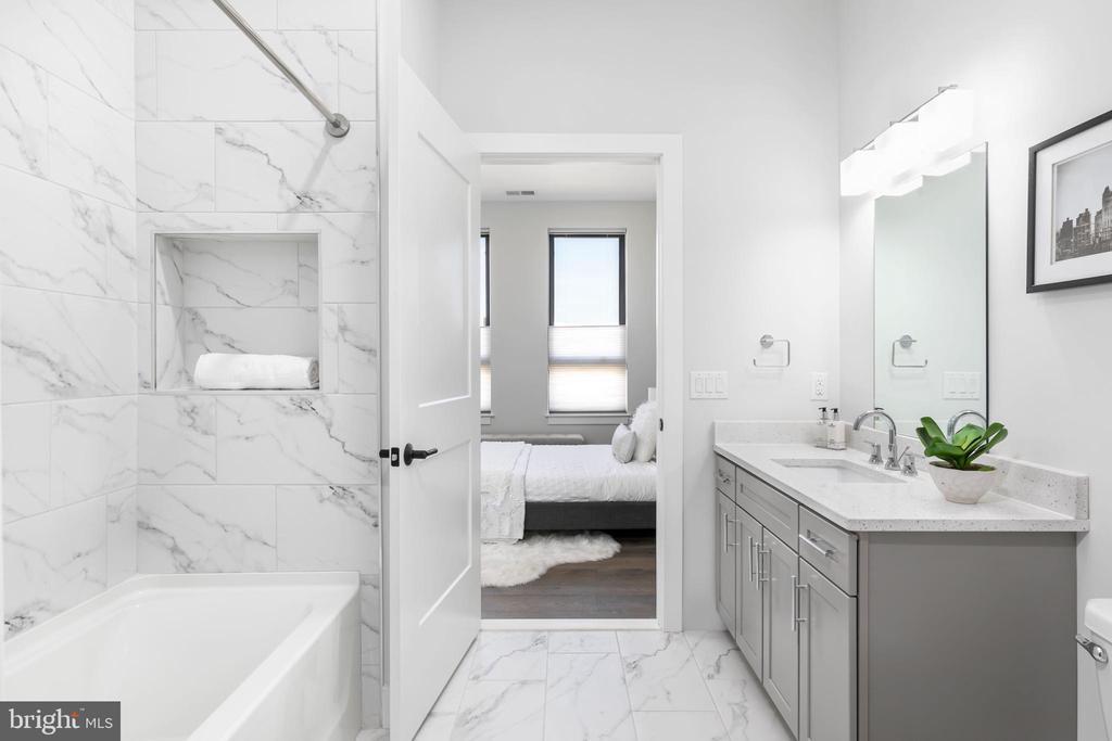 Guest Bathroom - 44691 WELLFLEET DR #210, ASHBURN